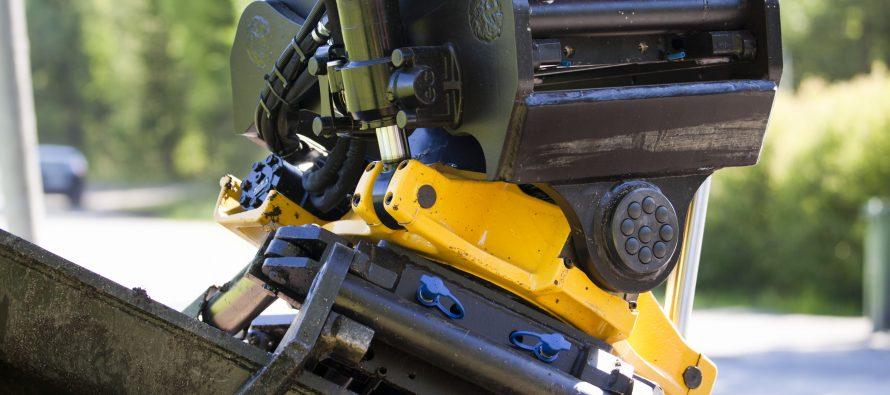Unelte de lucru și cuple rapide pentru excavatoare și încărcătoare
