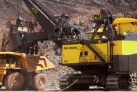Doar titanii înfruntă natura în forma sa brută. Excavatorul electric cu cabluri P&H 4100XPC AC