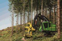 Seria 800M de utilaje forestiere de la John Deere are acum motoare Tier 4F