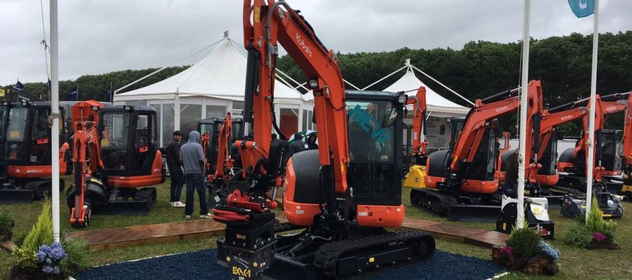 Kubota a prezentat la Plantworx 2017 un nou miniexcavator eco friendly
