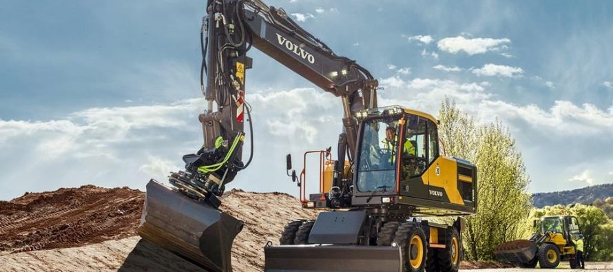 Ajungi mai departe cu noul excavator pe roți Volvo din seria E