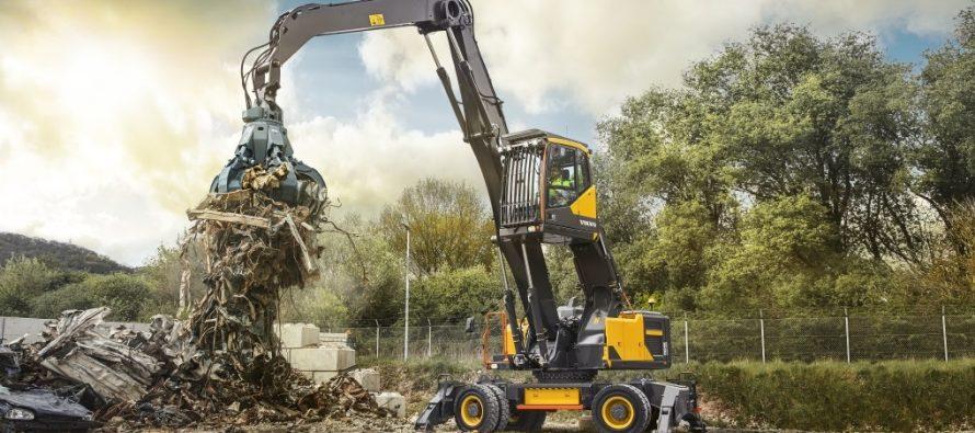 Noul EW240E este cel mai puternic excavator pentru manipularea materialelor de la Volvo CE