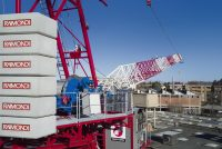 Raimondi lansează macaraua turn cu braț înclinat LR330 cu o nouă abordare tehnologică