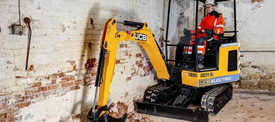 JCB a stârnit interes cu primul său excavator electric
