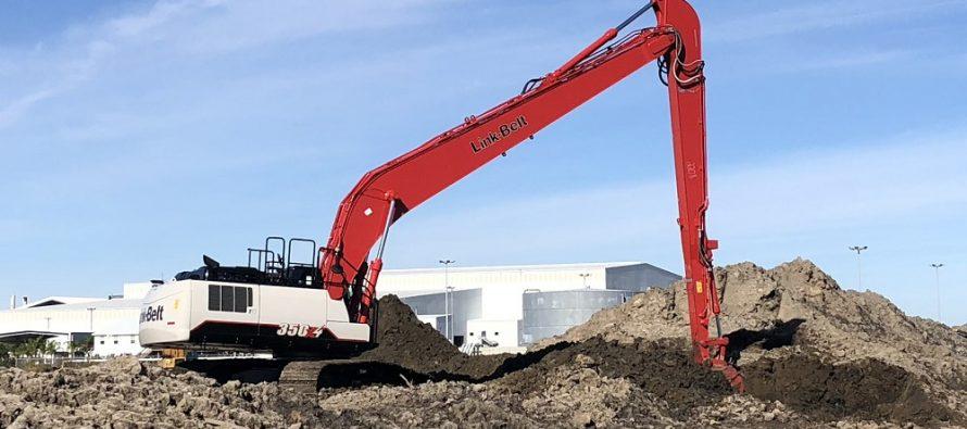 Link-Belt lansează excavatorul cu braț lung 350 X4 Long Front
