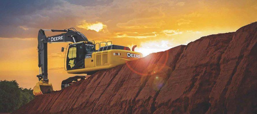 John Deere adaugă tehnologia Grade Guidance pe excavatorul 210G LC și face update-uri pe modelele 130G – 470G LC