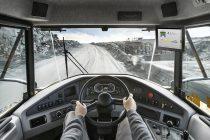 Gama de soluții Volvo Assist, disponibile pe display-ul Volvo Co-Pilot de ultimă generație din interiorul cabinei