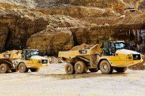 CAT perfecționează designul și caracteristicile noilor sale camioane articulate 730, 730 EJ (Ejector) și 735