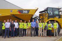 O nouă bornă pentru Caterpillar: livrarea camionului articulat Cat cu numărul 50.000