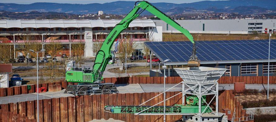 Noul Sennebogen 855 E Hybrid extinde gama excavatoarelor manipulatoare pentru deseuri și operațiuni portuare