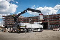 Hiab strengthens its loader crane portfolio with new, pioneering building material crane models