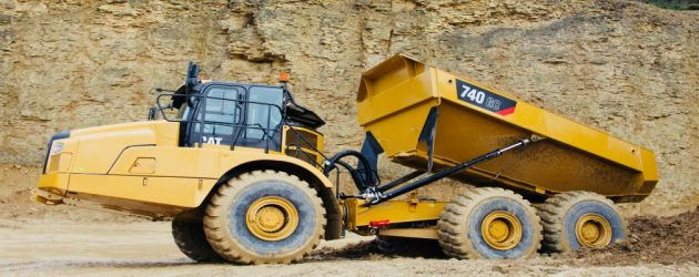 Noul Cat 740 GC extinde gama Caterpillar de camioane articulate