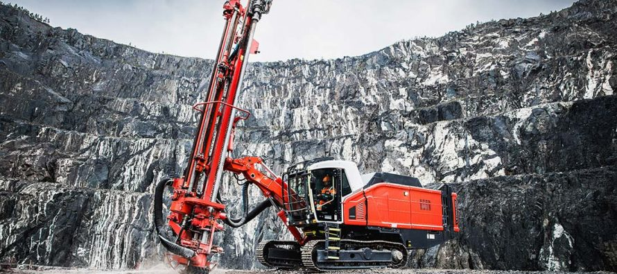 Noua foreză de suprafață cu ciocan de fund Sandvik Leopard DI650i este acum mai inteligentă