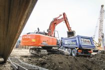 Hitachi bucket and Genuine GET are ideal combination for Romanian contractor