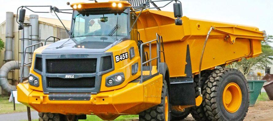 Premieră mondială la Bauma 2019 pentru camionul articulat Bell B45E 4×4