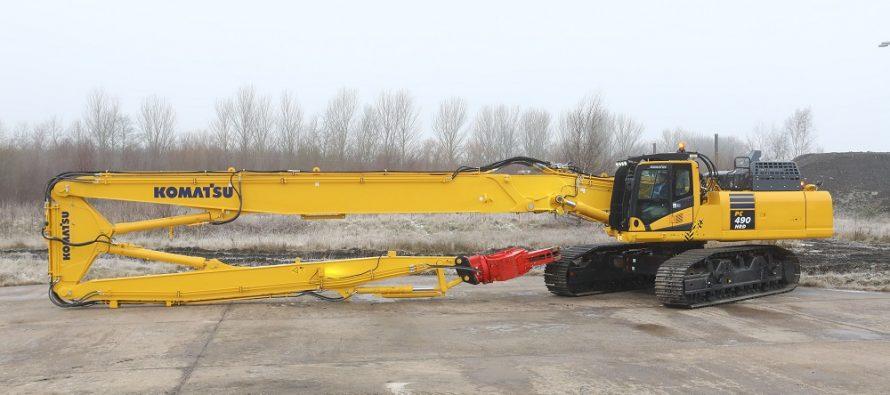 Komatsu Europe anunță noul excavator pentru demolări la înălțime PC490HRD-11