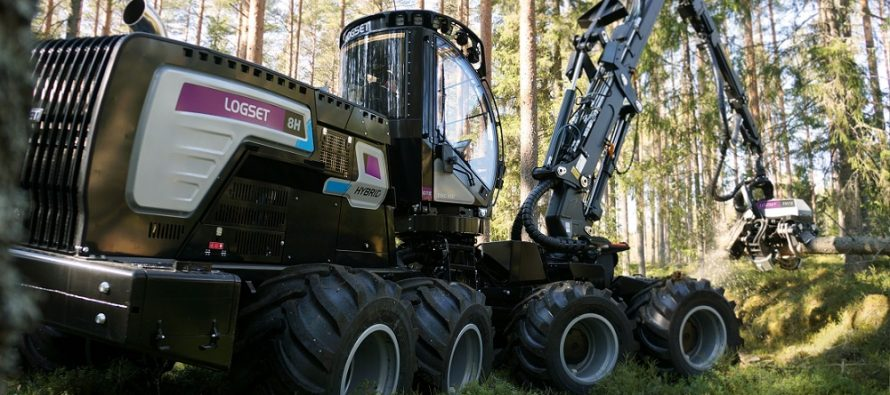 Logset lansează un nou harvester hibrid: Logset 8H GTE Hybrid
