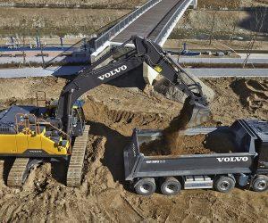 Viitorul excavator hibrid Volvo, gata să crească eficiența consumului de combustibil cu până la 17%