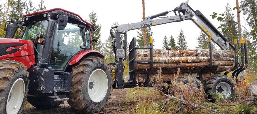 Kesla's new tractor forest trailer range displayed at SkogsElmia