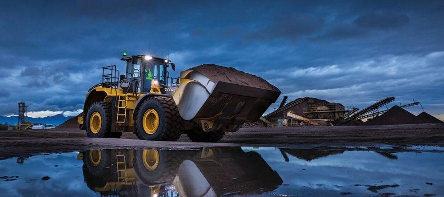 John Deere rolls out powerful L-Series wheel loaders