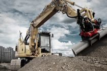 Operezi sau întreții un excavator? Fii și responsabil față de mediu!