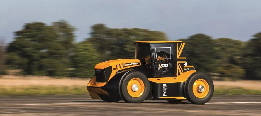 BKT a echipat tractorul JCB Fastrac cu anvelope speciale pentru doborârea recordului de viteză