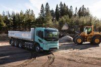 Volvo Trucks introduce camioane electrice concept grele pentru operațiuni de construcții și transport regional