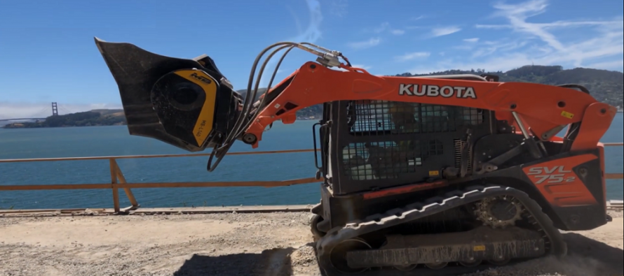 5 feluri în care îți poți folosi la maximum buldoexcavatorul, încărcătorul frontal sau skid steerul