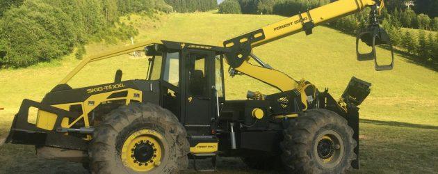 Forest Tract Skid XXL – un tractor forestier articulat durabil și productiv