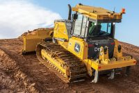 New John Deere 700L, 750L dozers enhance productivity and operator comfort
