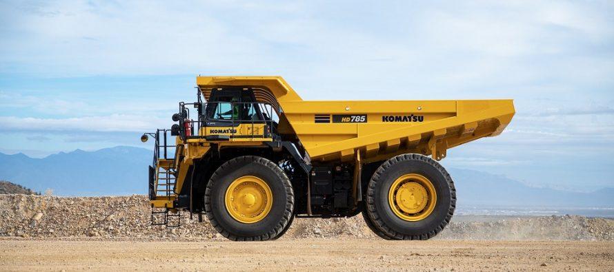 Komatsu a anunțat lansarea pe piață a camionului cu șasiu rigid HD785-8