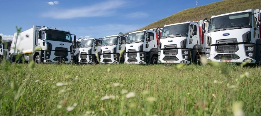 Cefin Trucks livrează o flotă de 35 de autogunoiere compactoare Ford Trucks către compania AVE Bihor
