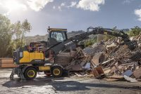 Volvo extends material handler range and reach