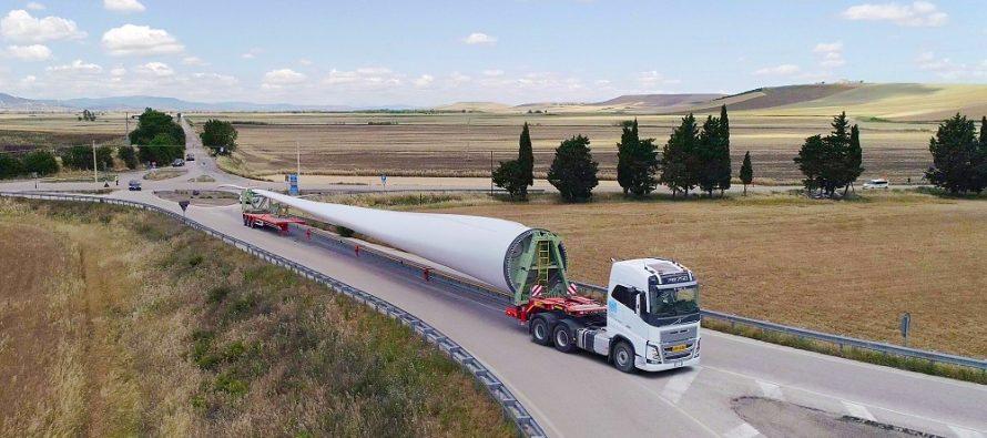 Noua semiremorcă Faymonville WingMAX pentru pale XXL de turbine eoliene
