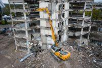 Liebherr lansează excavatorul R 940 Demolition, ce înlocuiește modelul anterior R 944 C