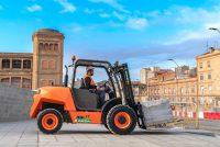 AUSA lansează noul motostivuitor C201H pentru uz urban