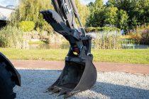 Mecalac introduce opțiunea de falcă hidraulică pe excavatoarele sale 6MCR și 7MWR