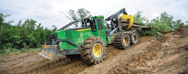 John Deere introduce puternicul tractor articulat forestier cu 6 roți, 768L-II