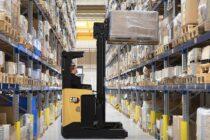 Cat Lift Trucks adaugă 11 noi modele în gama sa de stivuitoare cu catarg retractabil