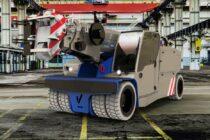 Manitex Valla lansează noua macara electrică pick & carry V 210 R cu radiocomandă / cu cabină